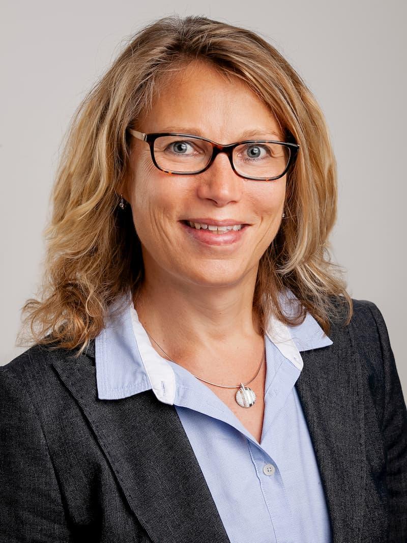 Mag. Astrid OSCHOUNIG
